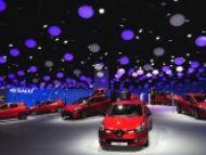 2 týždne stavania krásneho stánku Renault Paris 2012 v 3,5 min. videu