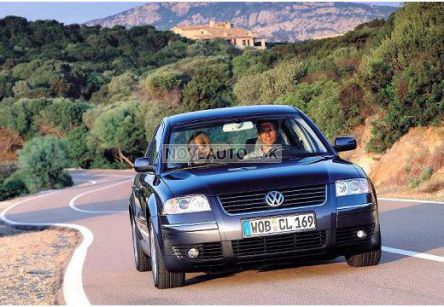 VOLKSWAGEN Passat  1.9 TDI Basis (sedan) - (Fotografia 6 z 6)