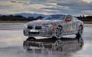 BMW 8 robí záverečné testy na okruhu. Príde aj model BMW M8