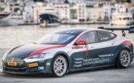 FIA požehnala Electric GT, Tesla bude pretekať na okruhoch