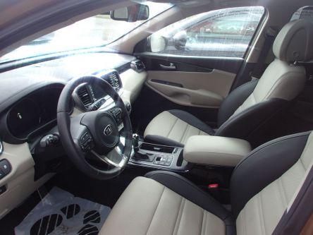 KIA Sorento 2.2 CRDi VGT 4WD ISG Platinum A/T - AUTOVENDYSLOVAKIA, s.r.o - (Fotografia 8 z 8)