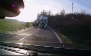 Magor roka! Polícia SR ešte mierne častuje vodiča kamióna. Nečudo