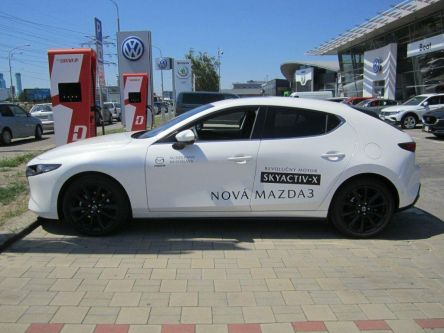 Mazda 3 Skyactiv X186GT AT Plus Safety Sound Luxury čierna koža - AUTOGRAND, a.s. - (Fotografia 2 z 8)