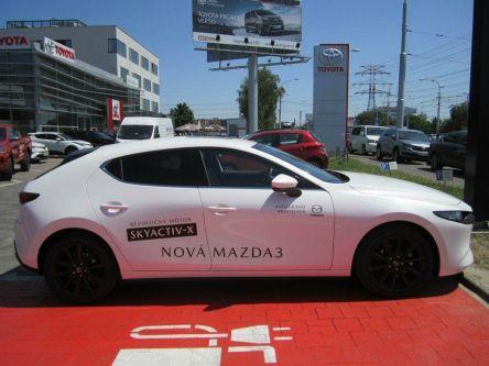 Mazda 3 Skyactiv X186GT AT Plus Safety Sound Luxury čierna koža - AUTOGRAND, a.s. - (Fotografia 6 z 8)