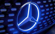 Mercedes pre fabriku nevybral Slovensko, ani Rusko. Ide do Poľska