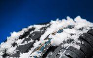 Môžu byť v mrazoch letné lepšie ako zimné gumy? Má to veľké ALE