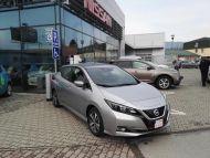 Nissan Leaf 40 kWh Acenta   Zimný balík   park. senzory