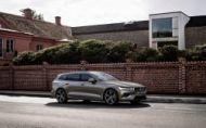 Nové Volvo V60 príde s 2 hybridnými verziami