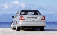Písmenkové označovanie Mercedes-ov je tu už 25 rokov