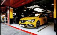 Renault Megane RS Trophy je pripravený bojovať s Civicom Type R