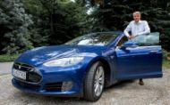 Robert Mistrík jazdí na Tesle, dbá na ekológiu a nové technológie