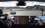 Tesla Model 3 na okruhu? Platničky vydržali 14 km