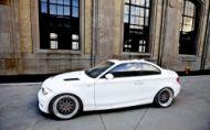 Úpravca Petersport doladil ikonické BMW 1M
